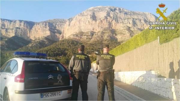 Dos de los agentes detenidos