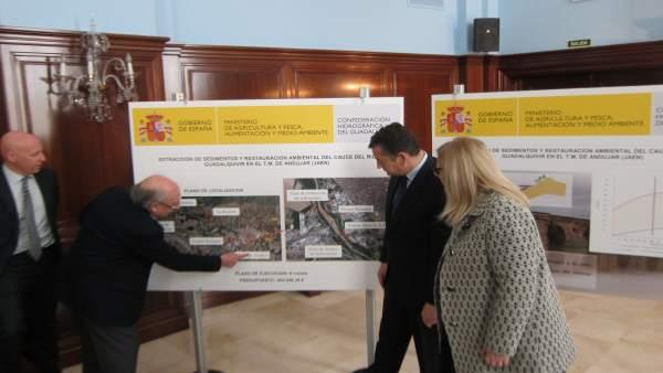 Presentación del proyecto de dragado del río