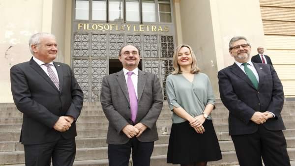 Eliseo Serano, Javier Lambán, Pilar Alegría y José A. Mayoral, ante la facultad