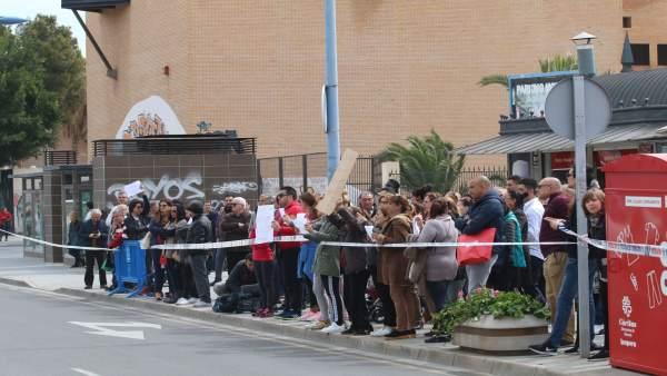 Concentración ante la Ciudad de la Justicia de Almería