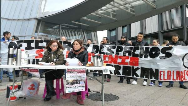 Protesta de trabajadores de Oficinas y Despachos de Bizkaia