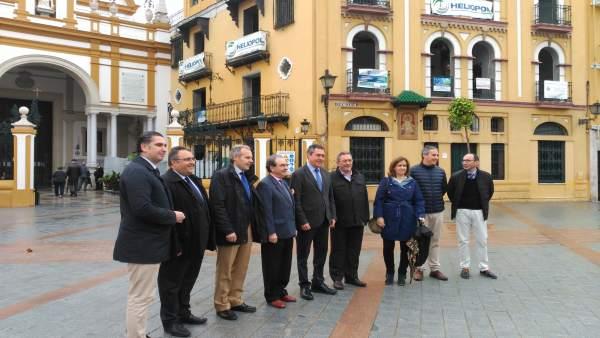 Espadas visita a las obras del entorno de la basílica de la Macarena