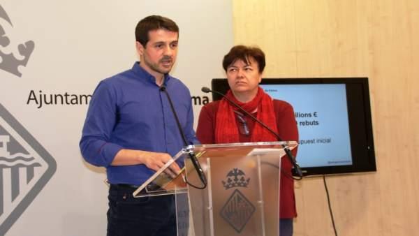 La portavoz del Ayuntamiento de Palma, Susana Moll, y el regidor de Economía