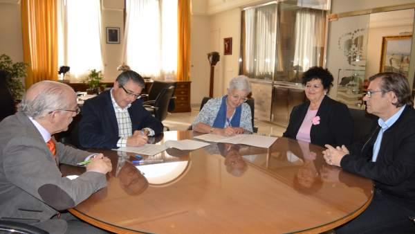 Firma Ayuntamiento Rincón y Economato Social