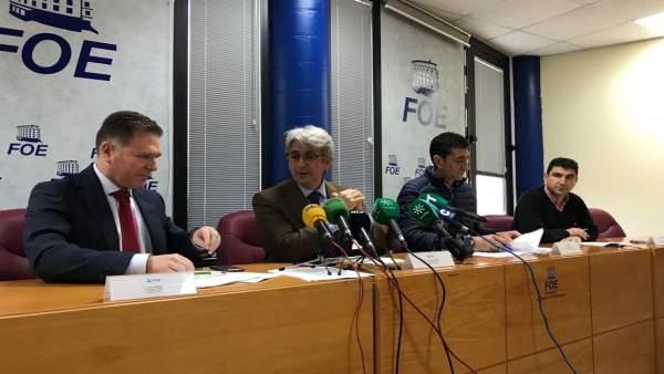 Rueda de prensa de la FOE y sindicatos.