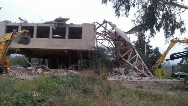 El Ayuntamiento de Estepona ordena la demolición de una estructura