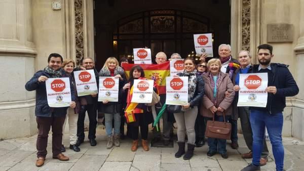 Protesta de Sociedad Cívica Balear en el Consell el pasado 9 de marzo