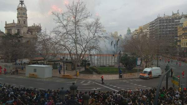 Imagen de la decimocuarta 'mascletà' de las Fallas 2018