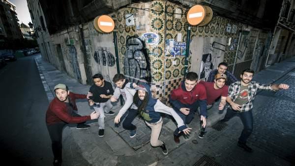 """La banda valenciana Auxili """"es banya"""" en 'Tresors', el seu nou disc"""