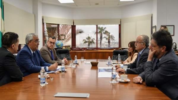 Reunión entre la Junta y la APBA para valorar cifras del puerto de Algeciras