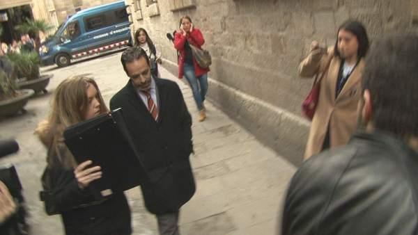 Molons llegando a la Generalitat.