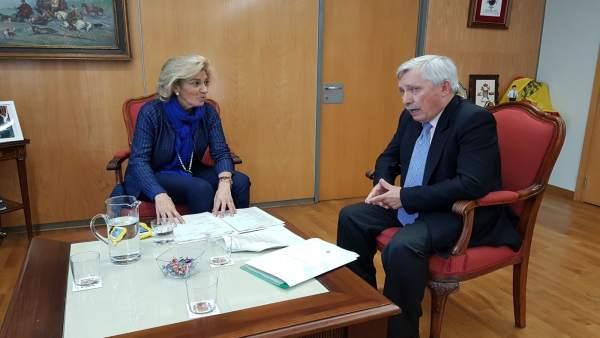 Reunión de Cristina Herrera y José Martínez
