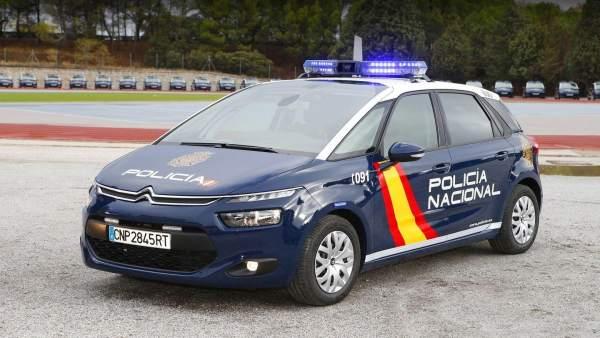 Coche de policía nacional