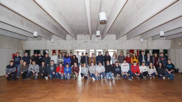 Estudiantes participantes en la Olimpiada de Física, el día de las pruebas.