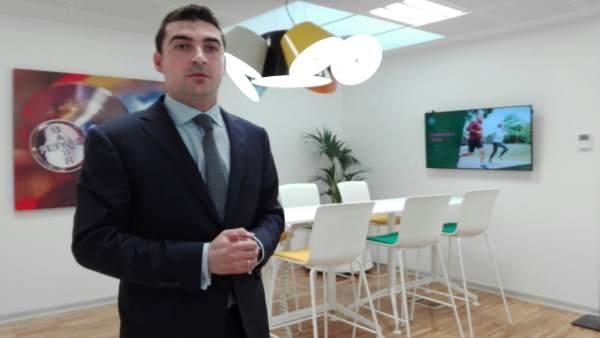 El director de la planta de Bayer en Lada, Langreo (Asturias), Jorge Álvarez