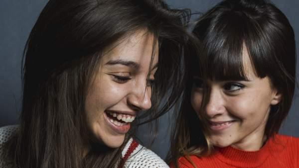 Ana Guerra y Aitana Ocaña durante un posado promocional en Madrid