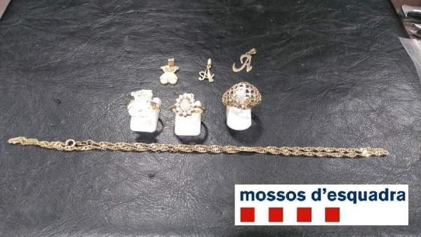 Joyas robadas por una cuidadora de ancianos en Girona