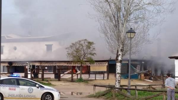 Incendio en un restaurante de la aldea de El Rocío.