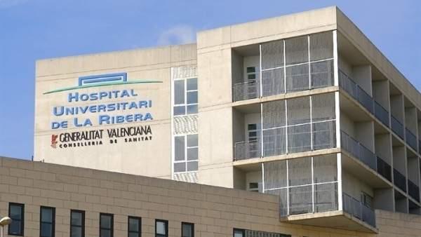 """El PSPV assegura que La Ribera mantindrà el servei pediàtric després de la reversió i rebutja les """"mentides"""" del PP"""