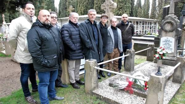 Homenaje del PSN a dos víctimas del franquismo en Navarra