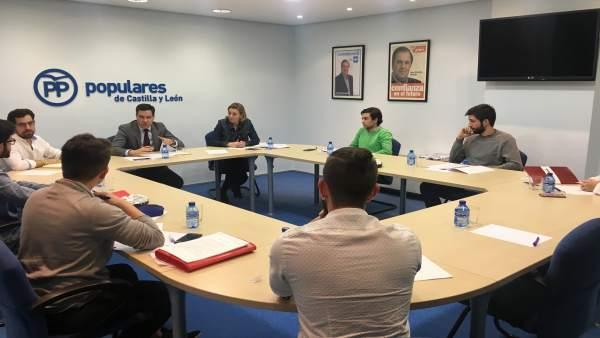 Valladolid.- De la Hoz preside la reunión con los estudiantes (15/3/2018)