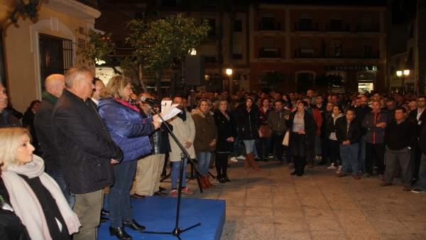 Cientos de vecinos de Almuñécar se concentran para pedir agua para el campo