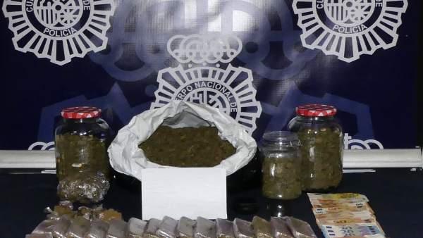Policía Nacional Nota De Prensa Y Foto 'La Policía Nacional Detiene A Un Reparti