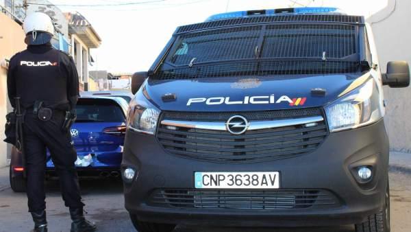 La Policía Nacional Detiene A Tres Individuos Como Presuntos Autores De Una Tent