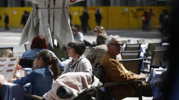 La intenció de despesa dels valencians per a Setmana Santa disminueix un 25%