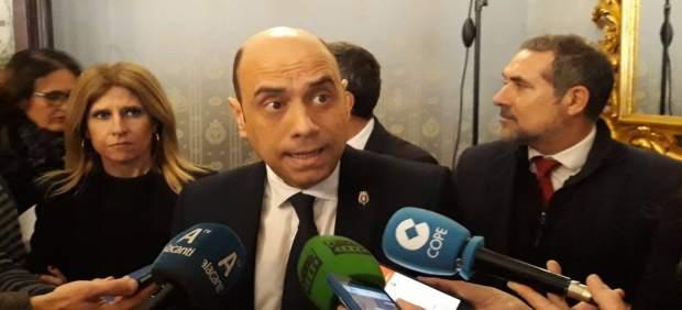 El PP de Alicante busca apoyos para una moción de censura contra Echávarri