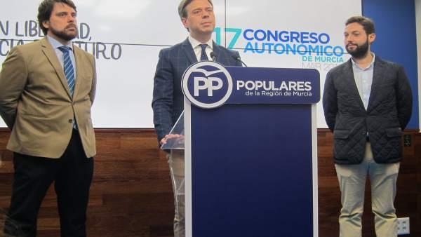 Marcos Ortuño en el centro