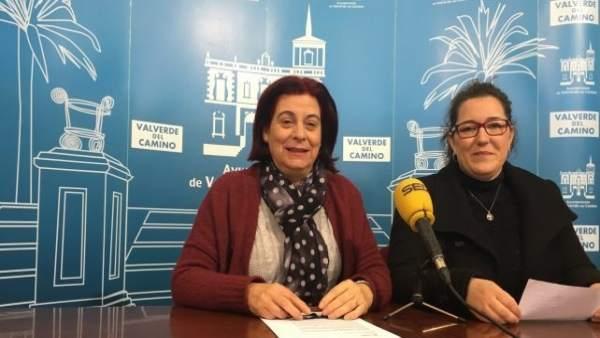María del Carmen Castilla y María José Rivera, concejalas de PSOE en Valverde