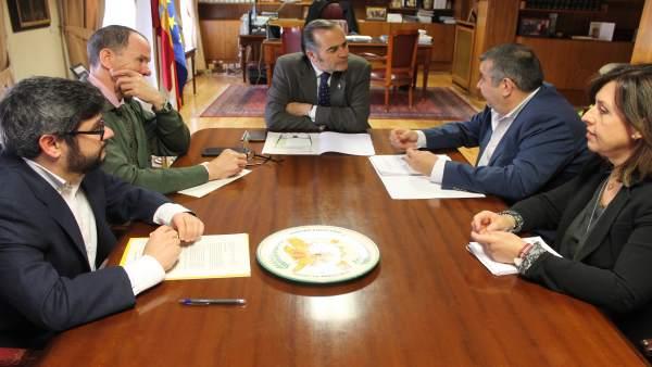 José Julián Gregorio se reúne con miembros de CSIF
