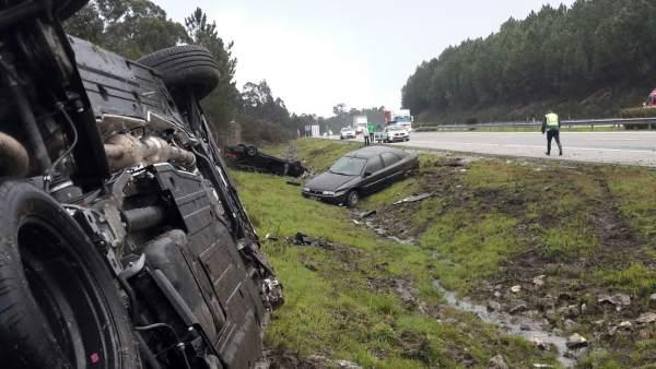 El alcalde de Baiona, Ángel Rodal, y una edila sufren un accidente de coche