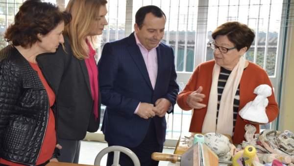 Ruiz Espejo PSOE Junta visita unidad de estancia diurna en la capital