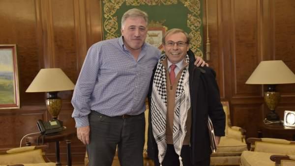 Joseba Asiron y Yamil Mahmoud Abousada.