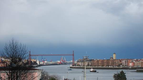 Nubes  Sobre El Puente Colgante De Portugalete