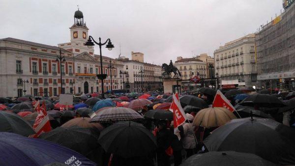 Los pensionistas desafían al mal tiempo con marchas en toda España