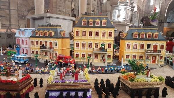 Muestra de 4.000 clicks de Playmobil que versionan La Pasión en O Carballiño