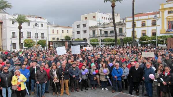 Concentración en Mérida por unas pensiones dignas