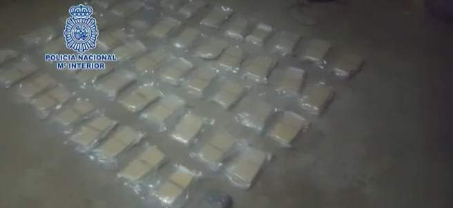 La Policía Nacional interviene más de 32 kilos de heroína en un chalet de Vilagarcía de Arousa
