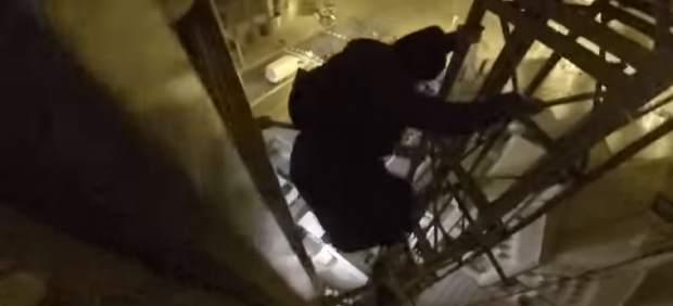 Investigan a los 'youtubers' que escalaron la Sagrada Familia burlando la seguridad