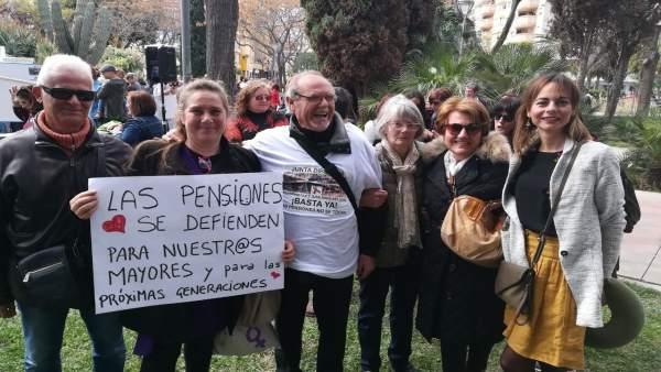 Podemos en la manifestación por las pensiones dignas