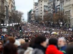 Los pensionistas desafían al mal tiempo con masivas marchas en toda España