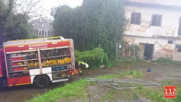 112 Sofoca Un Incendio En Una Casa Abandonada En Colindres