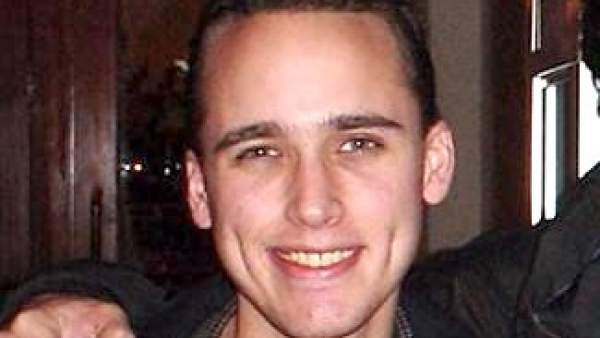 660445 600 338 - Hallan muerto al pirata informático que delató a Chelsea Manning, fuente de WikiLeaks