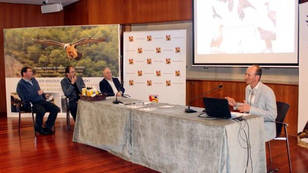 Presentación del proyecto Pirineos Bird Center en la Diputación de Huesca