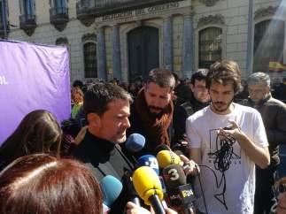 Manuel Valls en declaraciones antes de la manifestación de SCC en Barcelona.