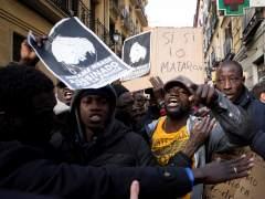 """El Sindicato de Manteros exige sanciones para los """"agentes culpables"""" y derogar la Ley de Extranjería"""
