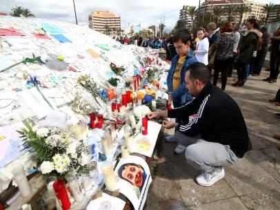 Concentración en memoria de Gabriel Cruz